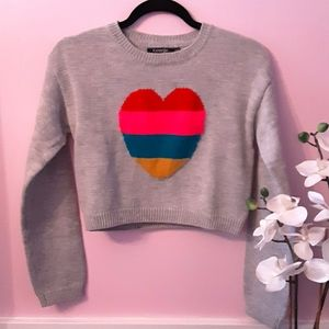 GIRLS: Grey cropped sweater with heart detail